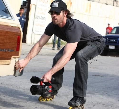 """Mark Neveldine a fréquemment utilisé des rollers pour tourner les scènes d'actions des films """"Guost Rider 2"""", ou """"Hyper Tension"""""""