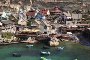 Même pas besoin de le faire construire, ce décor existe déjà en vrai ... Il faudra juste prendre un billet pour Malte ... Mais de très beaux décors sont proche de chez vous !